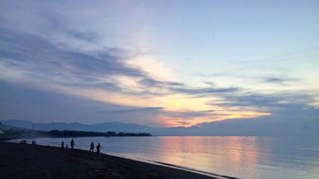 sunset lovina beach
